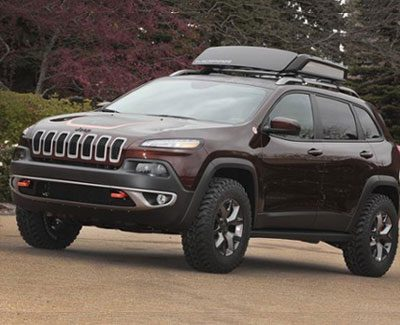 Jeep Cherokee with luggage