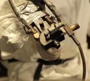 Bed liner gun