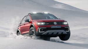 VW Tiguan Concept Off-Roading