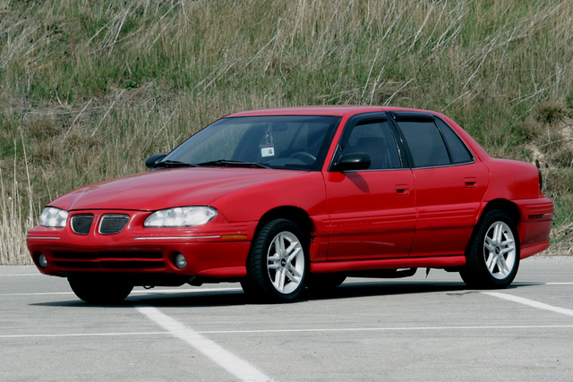 1996_pontiac_grand_am_4_dr_se_sedan-pic-26735-640x480