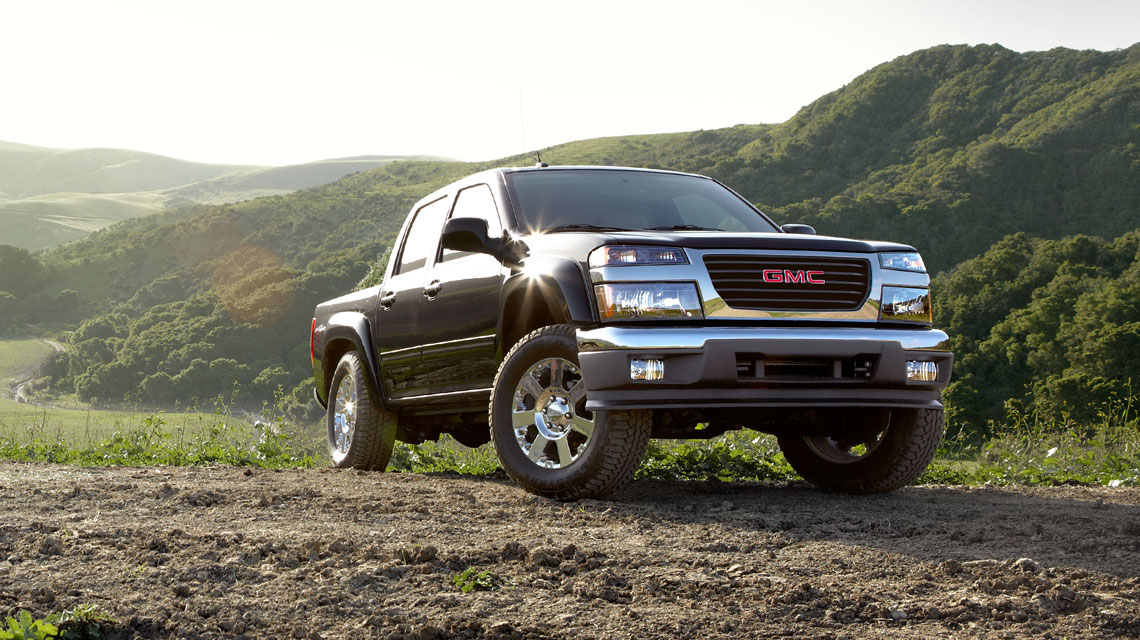 GMC Canyon in the hills