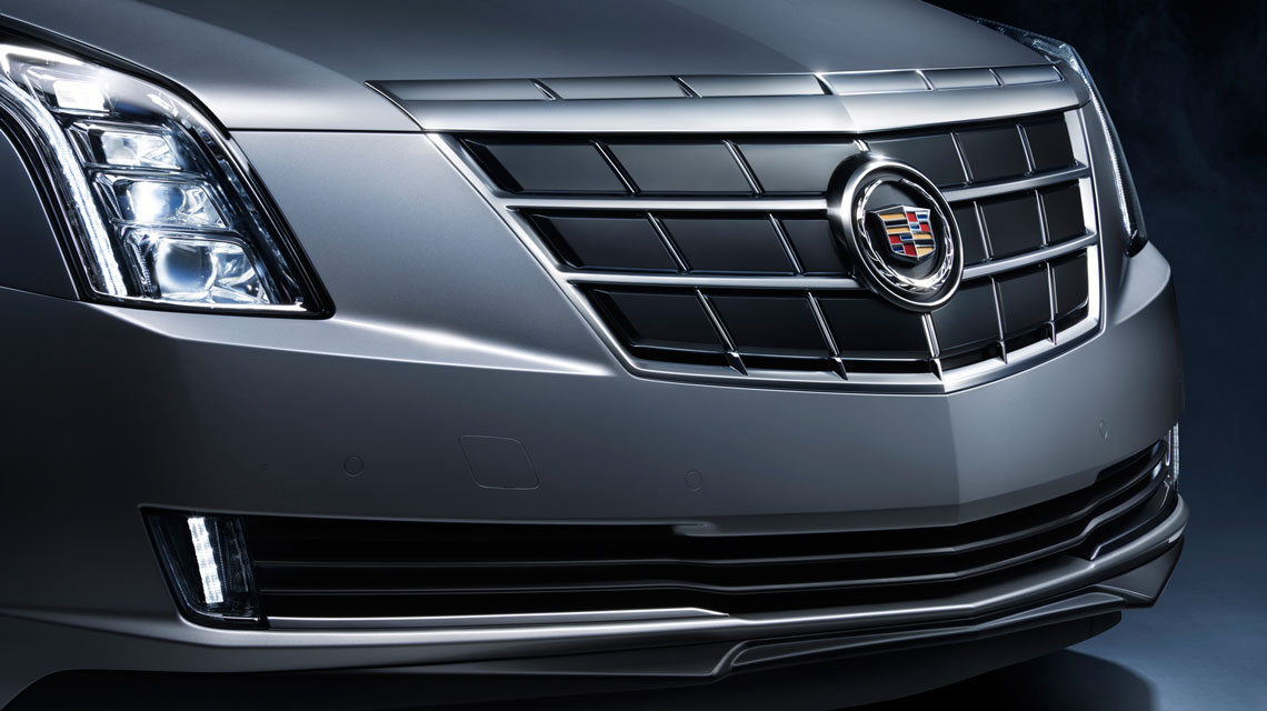 2014 Cadillac logo and grille