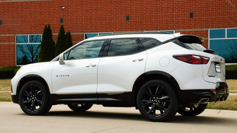 Side profile of the 2019 Blazer