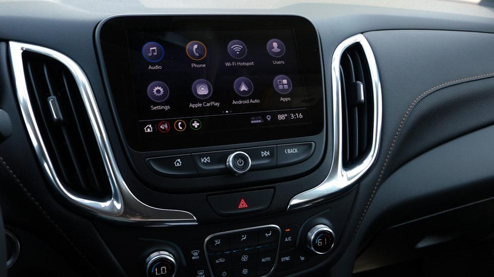 2019 Chevy Equinox touchscreen infotainment center
