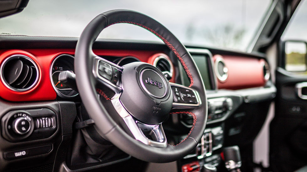 Inside the 2020 Jeep Gladiator