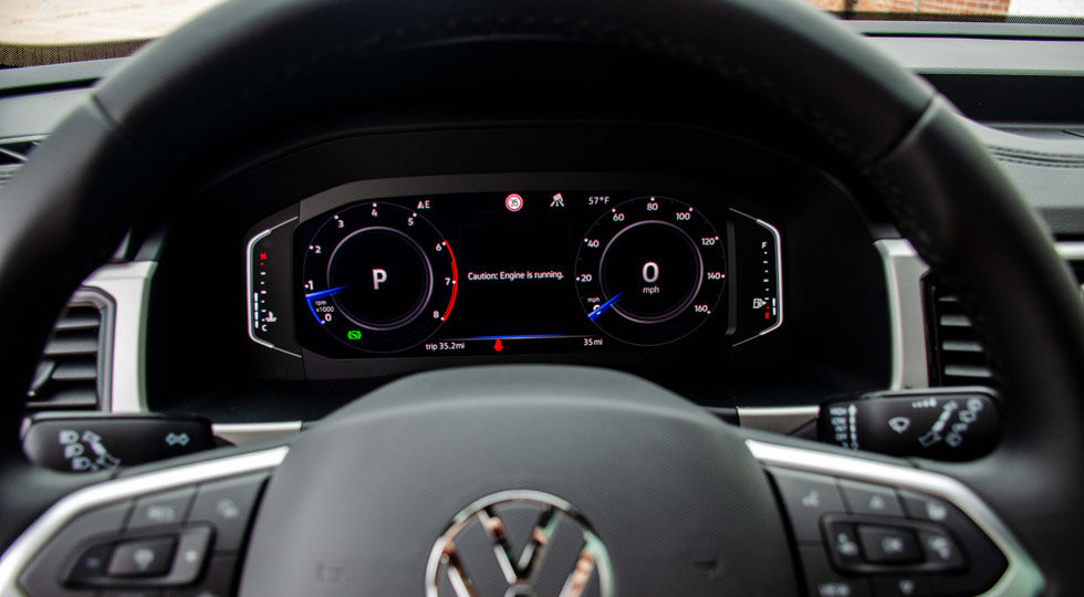 10 inch digital cockpit in the Atlas Cross Sport