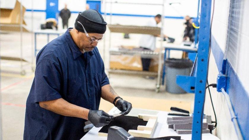 auto makers building ventilators