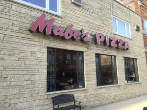 Mabes-Pizza-in-Decorah-IA_Storefront