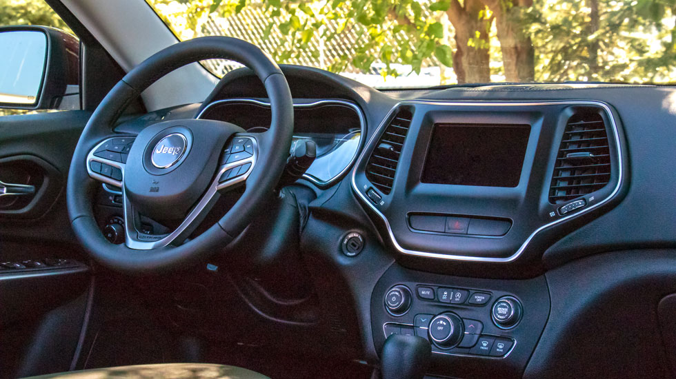 Inside the 2019 Jeep Cherokee