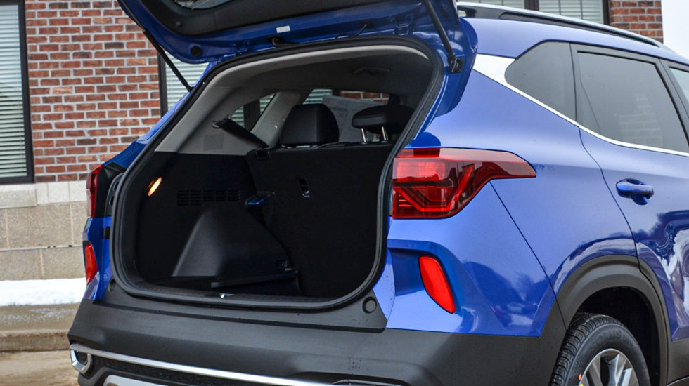 cargo space in 2021 Kia Seltos