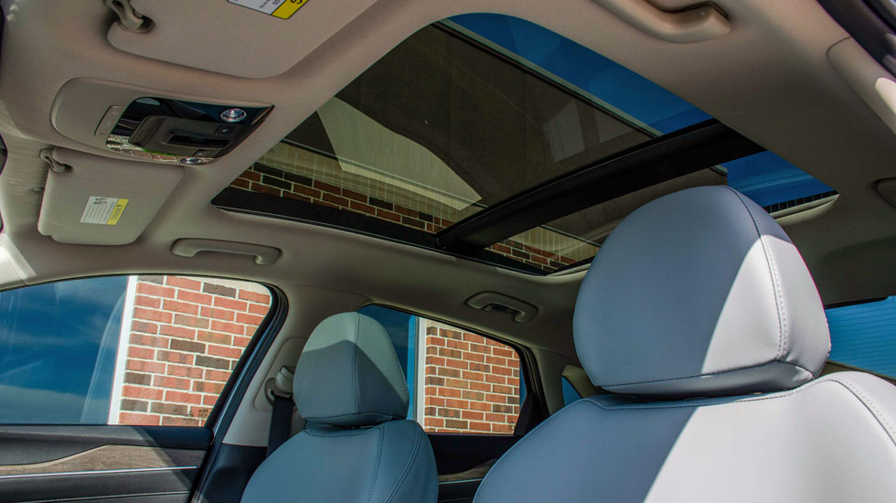 panoramic sunroof in the kia k5