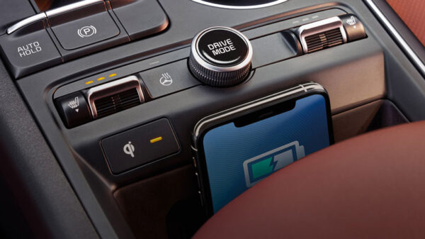 Kia wireless charging in K5